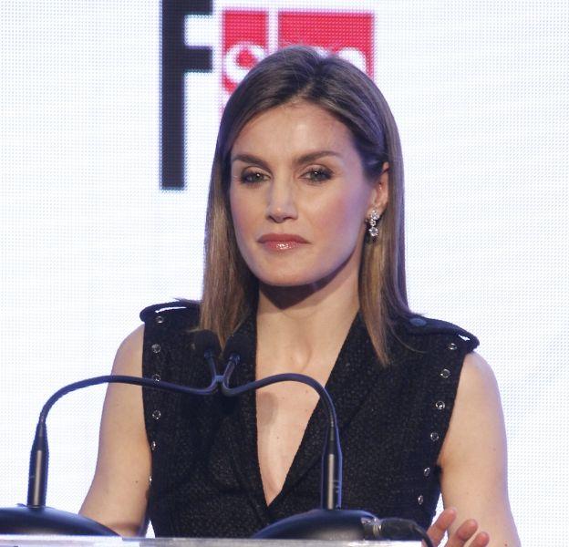 "Letizia Ortiz à la cérémonie ""El Barco de vapor and Juvenil Gran Angular"" ce mardi 19 avril 2016 au Casa de Correos à Madrid."