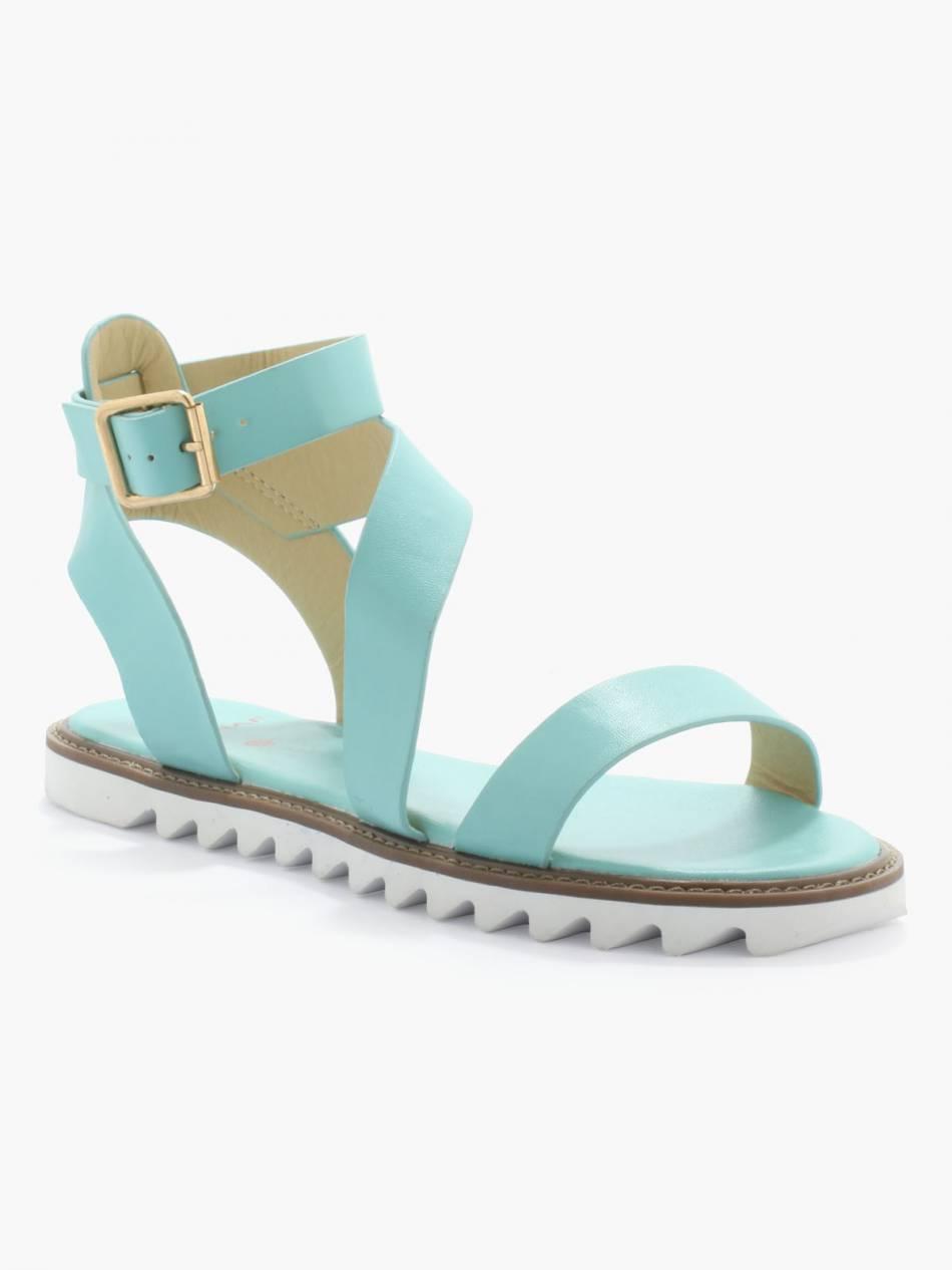 Chaussures bleues, Naf Naf, 35€.