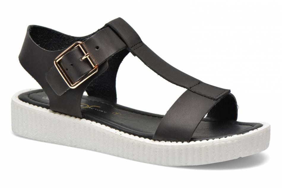 Chaussures noires, Sarenza, 39 euros.