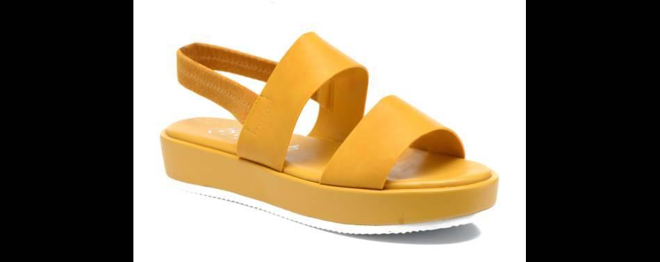Chaussures jaunes, Refresh, 40€.