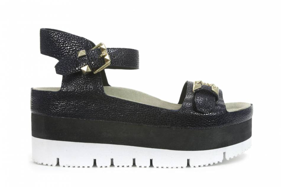 Chaussures hautes, ASH, 199€.