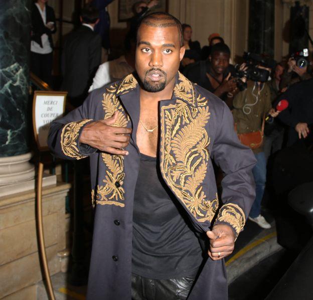Kanye West en Balmain. Le rappeur est devenu une véritable icône de mode.