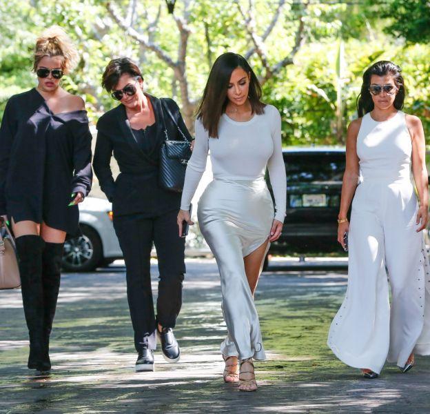 Les soeurs Kardashian font encore une fois la une de la presse people.