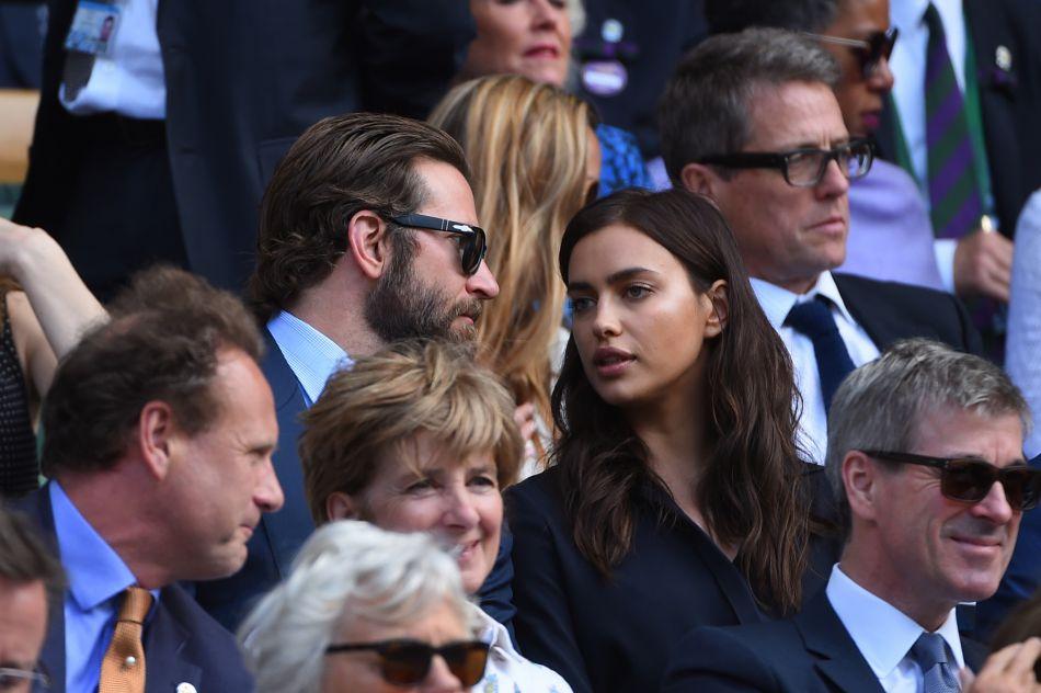 La jeune trentenaire est en couple avec Bradley Cooper depuis avril 2015.
