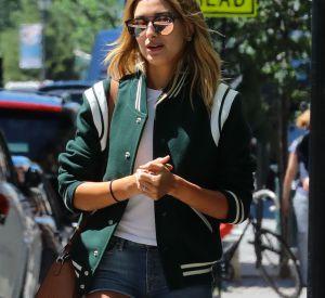Hailey Baldwin prouve qu'elle est une pro du street style.