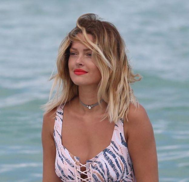 Caroline Receveur partage un cliché la mettant en scène sur un lit de plage, elle est extrêmement sexy !