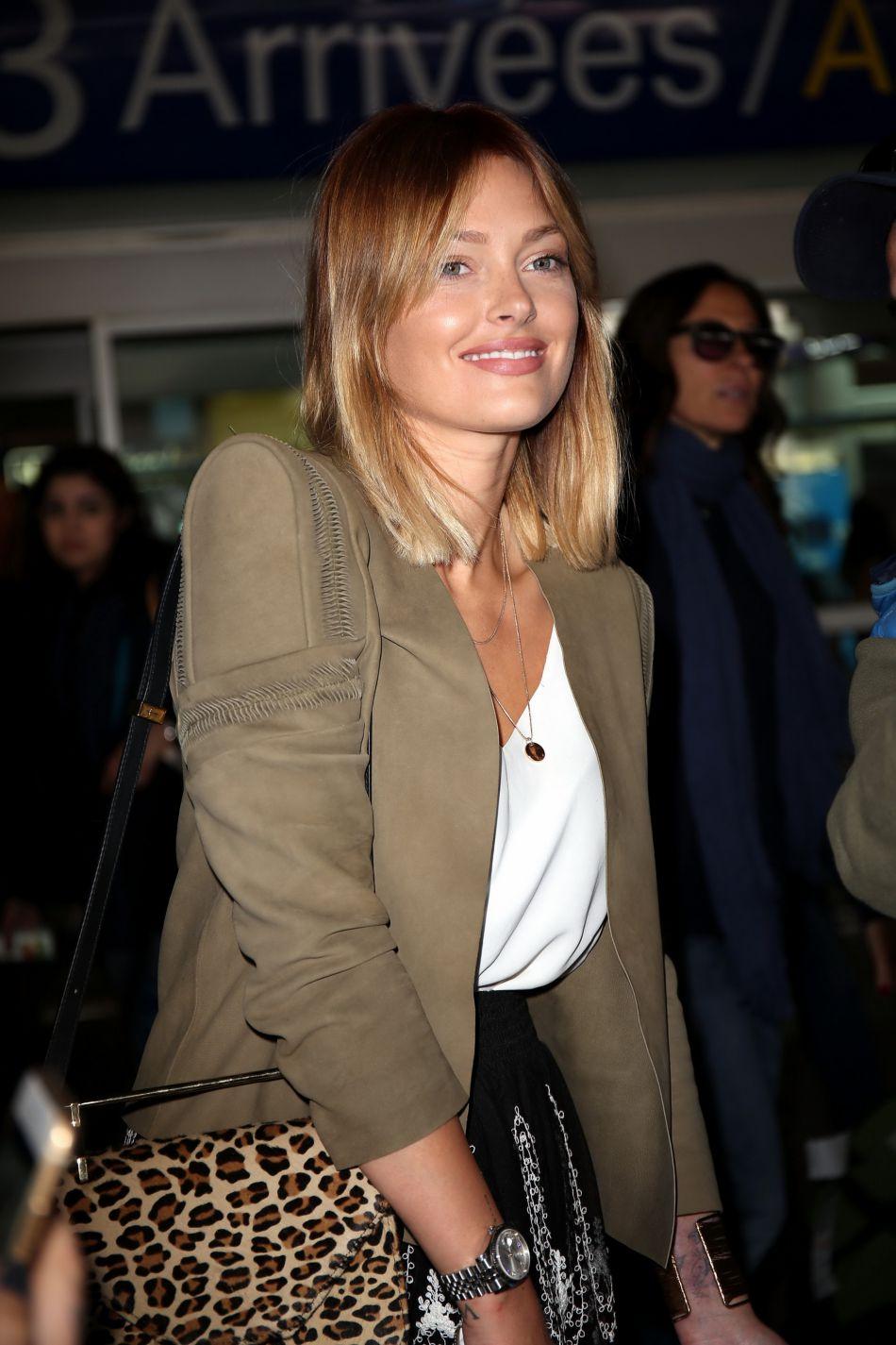 Caroline Receveur semble prendre du bon temps au Maroc.