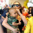 Kim Kardashian a laissé son mari mais embarqué ses enfants pour ses vacances au Mexique.