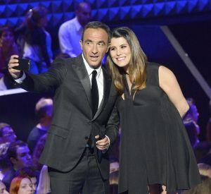 """Dès samedi prochaine, Karine Ferri présentera la nouvelle saison de """"The Voice Kids"""" aux côtés de Nikos Aliagas."""