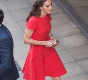 Kate Middleton incendiaire en rouge : sa robe à petit prix séduit les Anglais