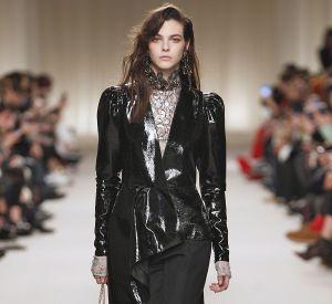 Défilé Lanvin de la Fashion Week d'Automne-Hiver 2016/2017, la veste en vinyle.