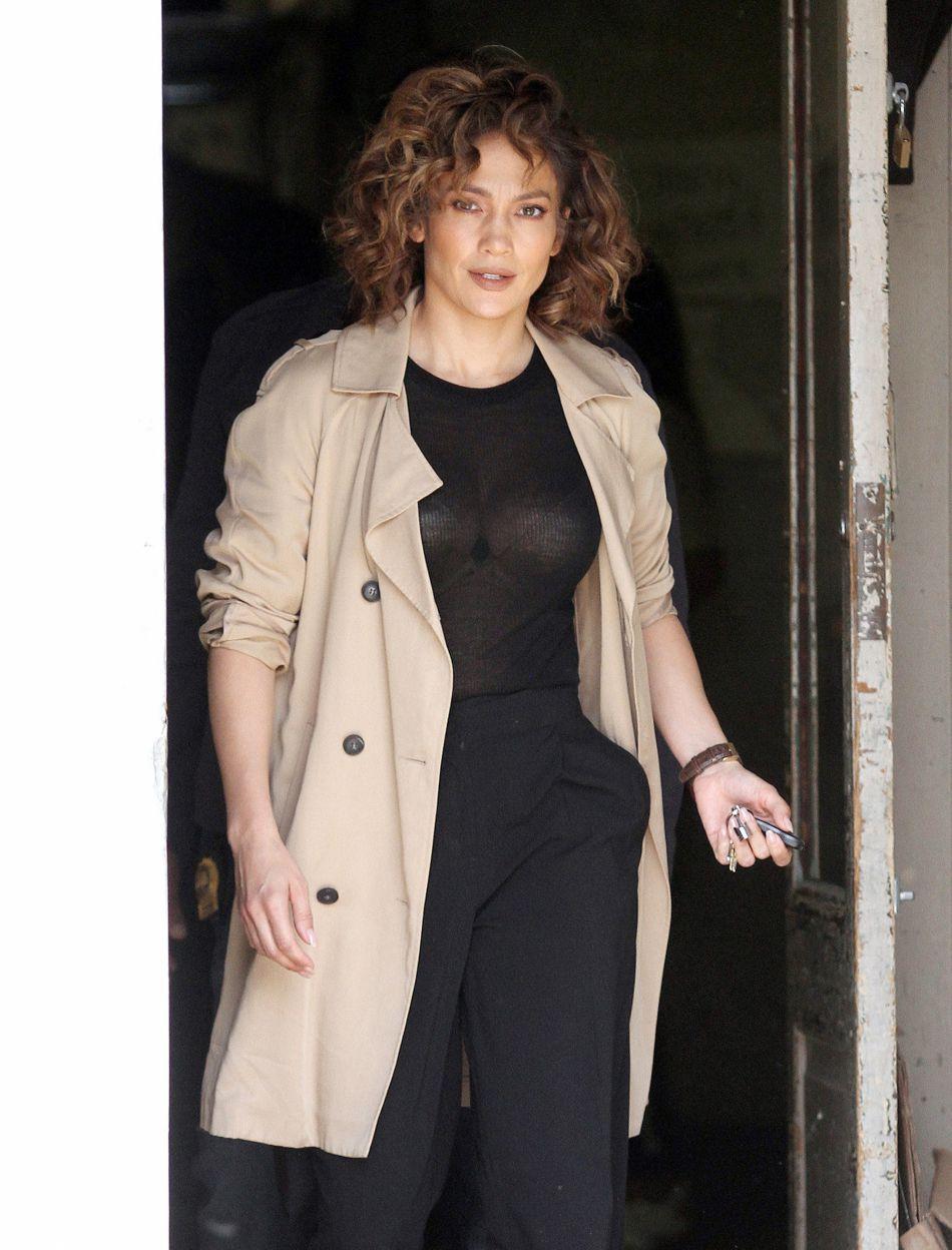 La chanteuse et actrice Jennifer Lopez sur le tournage de la série Shades of Blue, à New York