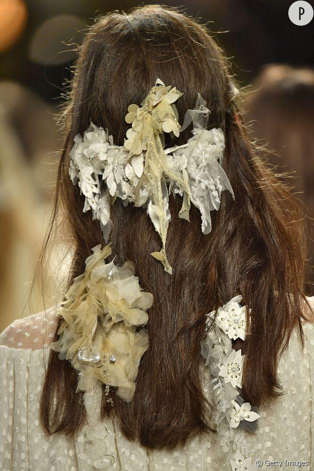 Chez Rodarte, les bijoux pour cheveux sont d'un genre un peu particulier.