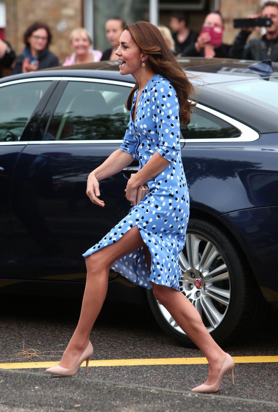 Le prince William, duc de Cambridge, et Kate Middleton, duchesse de Cambridge, visitent la Stewards Academy à Harlow, le 16 september 2016.