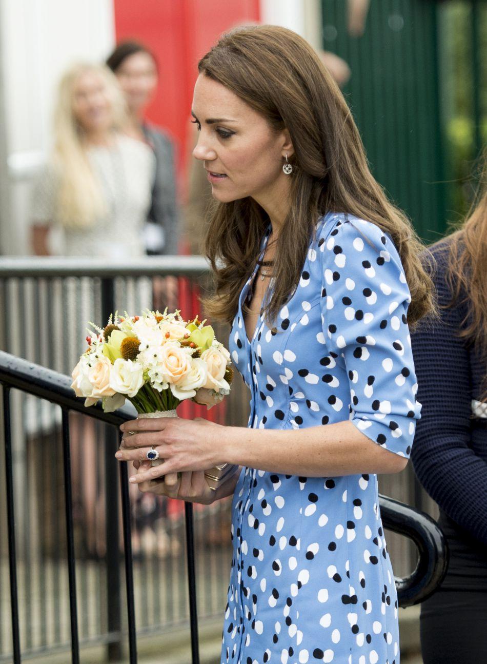 La duchesse de Cambridge affichait une silhouette plus fine que jamais dans sa robe bleue.