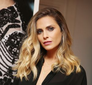 Clara Morgane : rayonnante pour la promotion de son calendrier très sexy