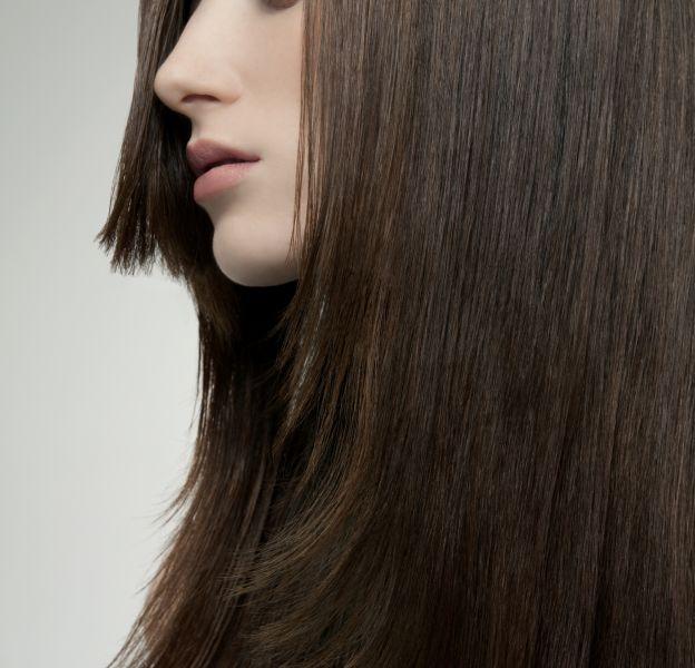 5 astuces pour avoir des cheveux parfaitement lisses.