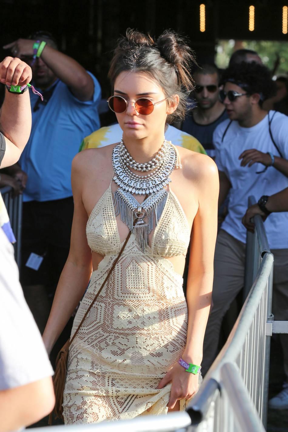 Kendall Jenner, un top qui n'a pas froid aux yeux.