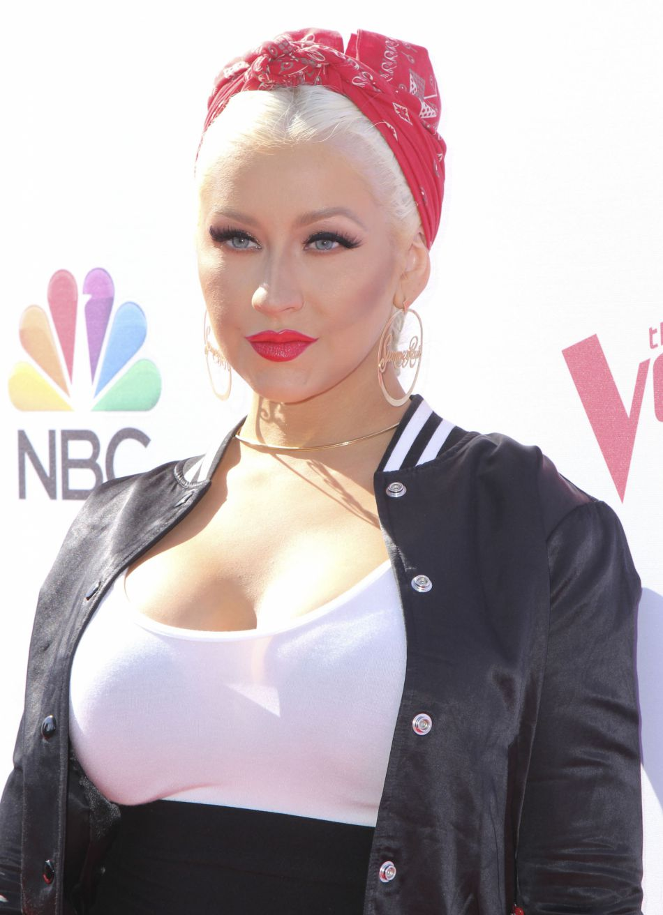 Christina Aguilera est repassée au blond !