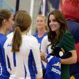 Au cours de leur visite sur le campus universitaire de Kelowna, Kate Middleton et William ont assisté à un match de volley féminin.