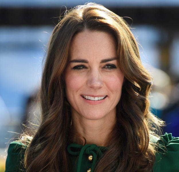 Kate Middleton, rayonnante dans sa robe verte signée Dolce & Gabbana.