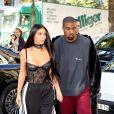 Pour une séance shopping Kim Kardashian revisite le jogging Adidas.