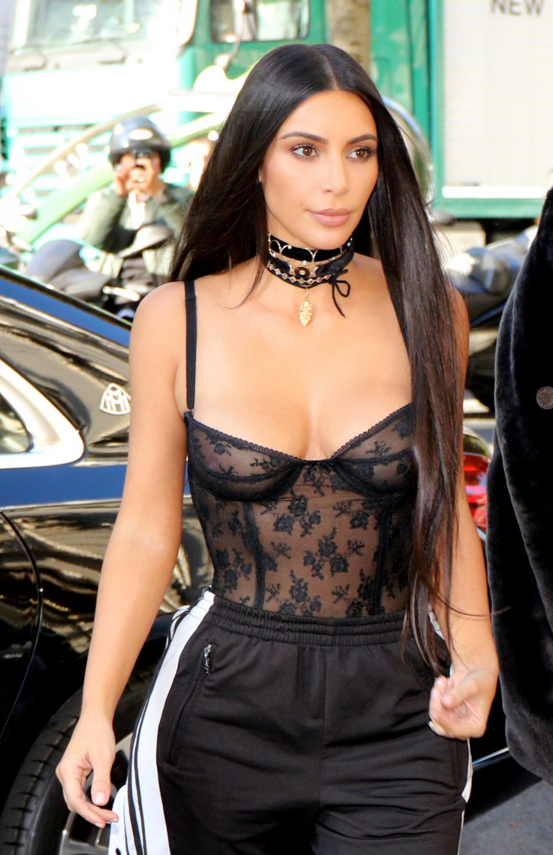 Plus peur que de mal pour Kim Kardashian qui s'en sort indemne mais choquée.
