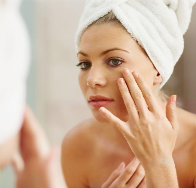4 conseils pour lutter contre la peau grasse.