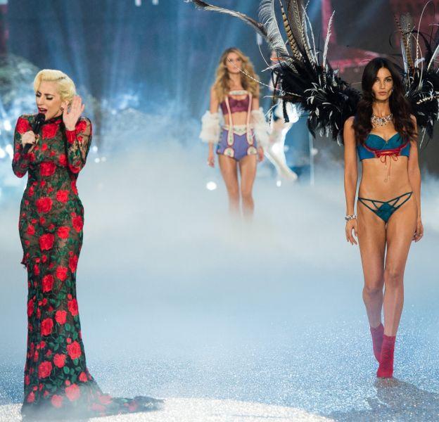 Le show Victoria's Secret parisien était éblouissant.