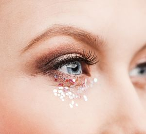 Paillettes : le make up de fête