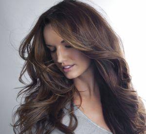 3 coiffures inratables pour les cheveux longs