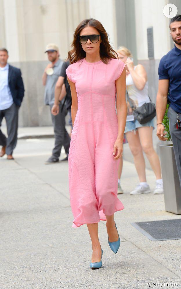 Victoria Beckham Sa Robe Rose La Bonne Inspiration Pour L Ete Puretrend