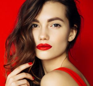 Rouge à lèvres rouge, mode d'emploi