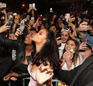 Rihanna nous apprend comment masquer nos cernes post-fêtes