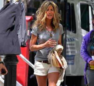 Jennifer Aniston, un look safari chic en mini-short