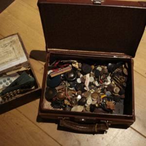 Marchand Drapier, valise de boutons