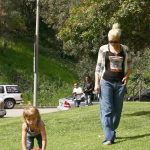 Confortable et coloré, le style de Kingston plait à tous et aussi à sa maman, Gwen Stefani.