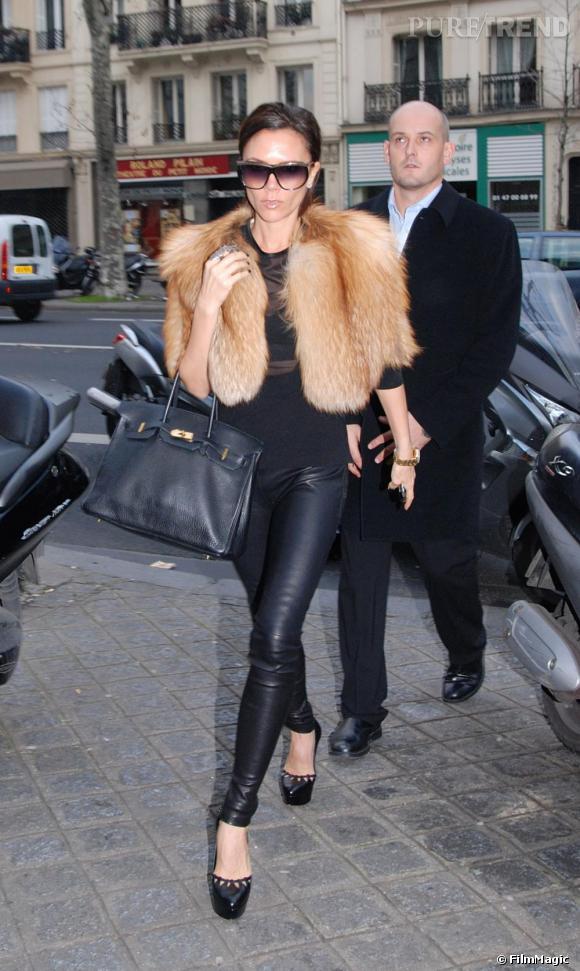 Victoria Beckham dans les rues de Paris