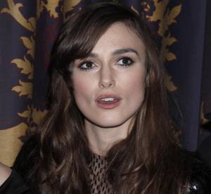 Keira Knightley ose la mini robe à sequins