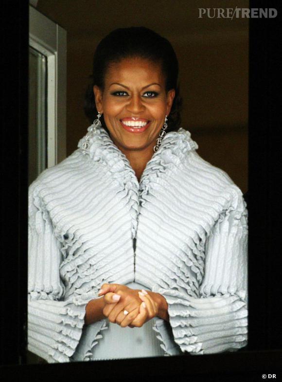 Nom : Michelle Obama Surnom : Mrs O' Profession : Première dame  Coefficient mode : 7/10  L'évènement phare : Le célèbre short gate. Michelle Obama a choqué l'Amérique puritaine en portant un short kaki. So chocking!  Ce qui l'a rendue mémorable : Sa robe de bal Jason Wu.
