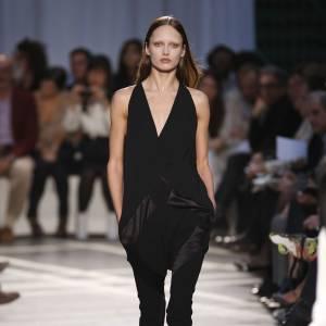Défilé Givenchy - Karmen Pedaru - Paris Printemps Eté 2010