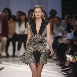 Défilé Givenchy - Edita Vilkeviciute - Paris Printemps Eté 2010