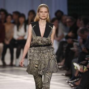 Défilé Givenchy - Elena Melnik - Paris Printemps Eté 2010