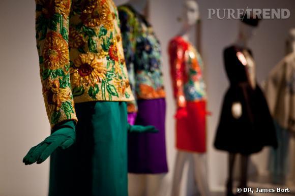 Ensemble du soir, veste brodée de perles formant des tournesols, hommage à Van Gogh, collection Printemps-Eté 1988.