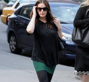 Liv Tyler : son look street chic à shopper !