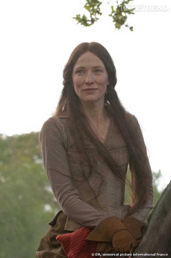 """Roger Vivier chausse Cate Blanchett dans le rôle de Lady Marianne dans """" Robin des Bois """" de Ridley Scott."""