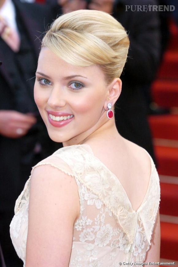 Scarlett Johansson et son néo chignon hitchcockien