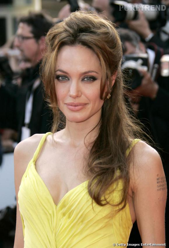 Angelina Jolie, un semi cranté hellenique...