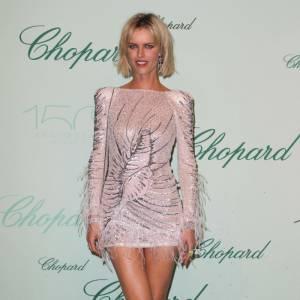 Eva Herzigova ose la micro robe Emilio Pucci lors de la soirée Chopard, en marge de Cannes.
