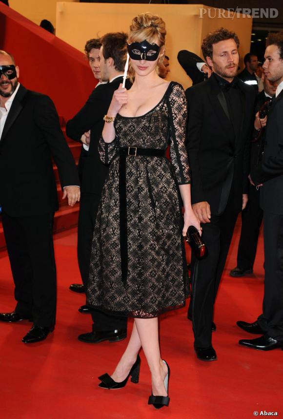 Louise Bourgoin, mystérieuse séductrice en Louis Vuitton.
